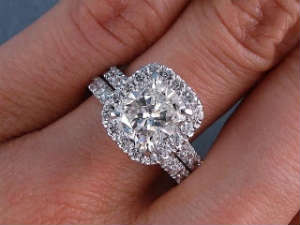 cushion cut diamonds engagement ring