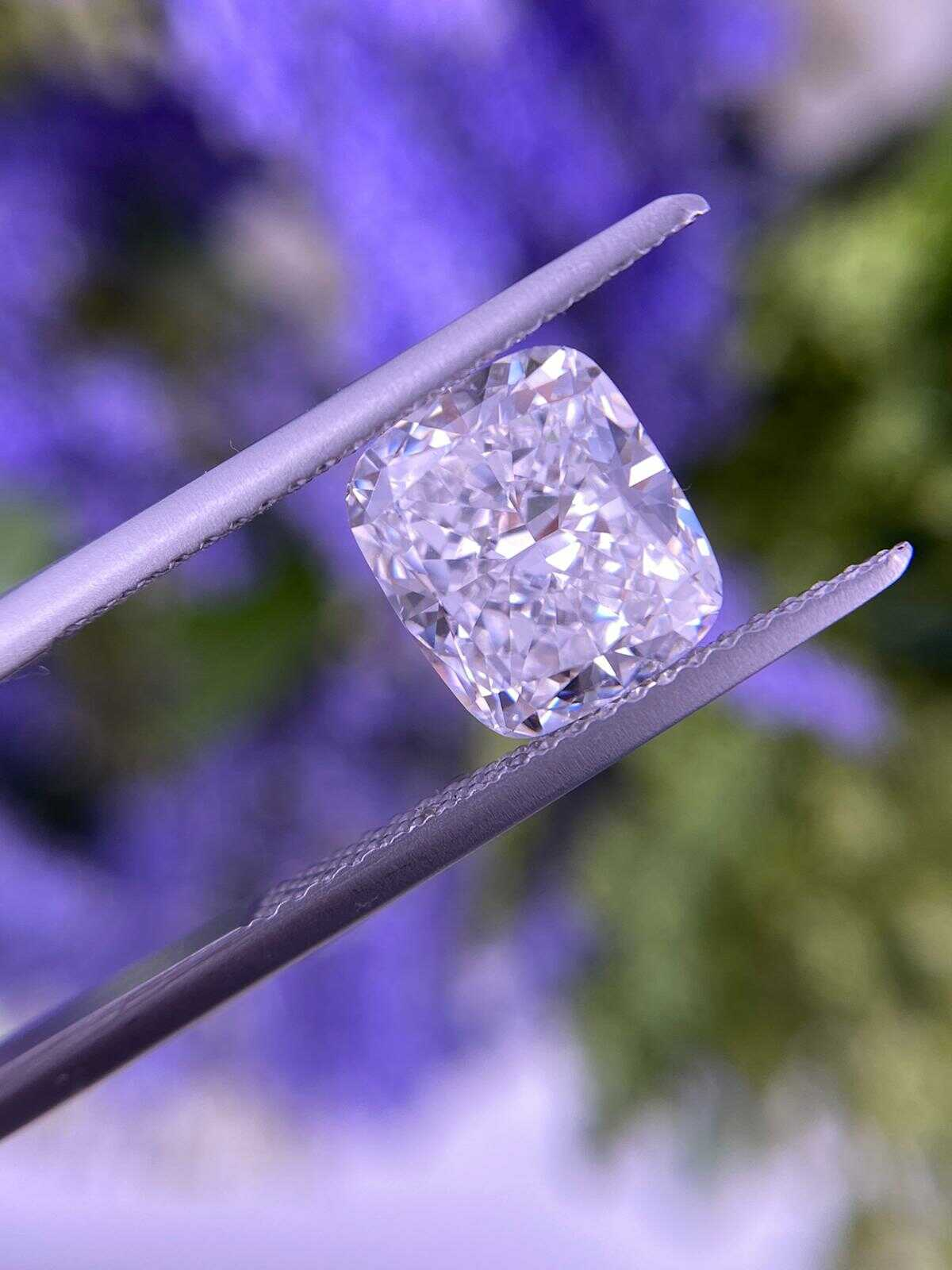 cushion diamond 3 carat